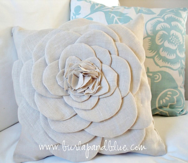 DSC02034 copy shabby flower pillow (a tutorial)