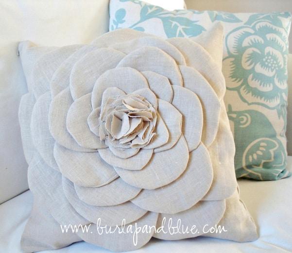 flower pillow tutorial by burlap+blue