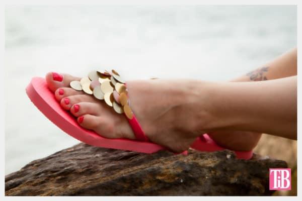 flip-flops-w-paillettes-photo