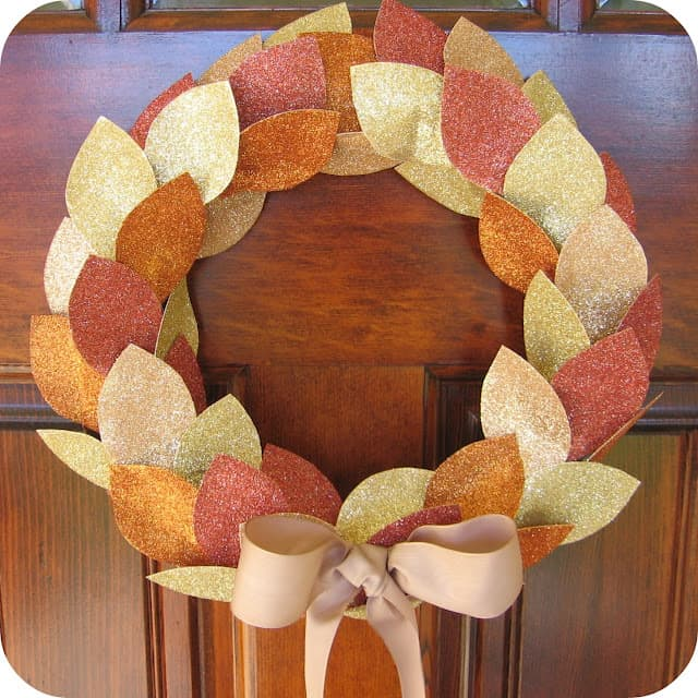 glitter wreath2 50 favorite fall crafts