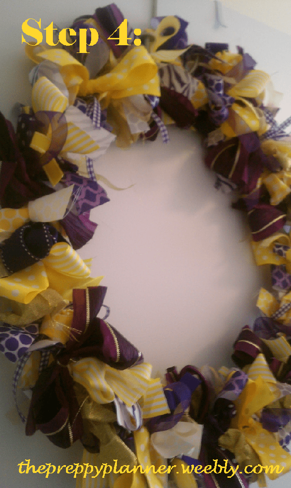 picture4 Ribbon Wreath {A Tutorial}