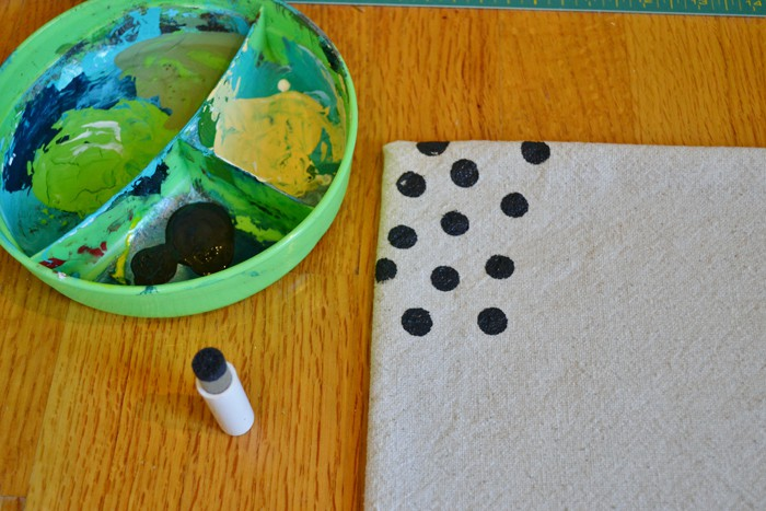 DSC 0034 3 confetti dots pillow+how to make an envelope pillow cover {inspired by pinterest}
