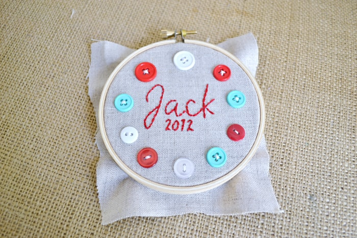 DSC 0050 personalized hoop ornaments {a tutorial}