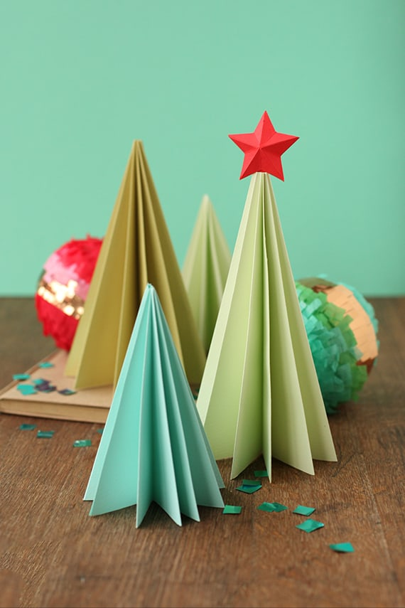 Season Accordian Tree Styled 50 favorite christmas crafts