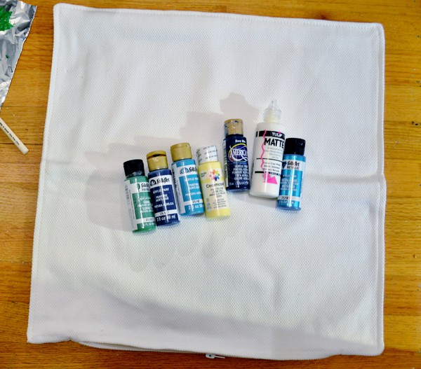 painted pillow tutorial