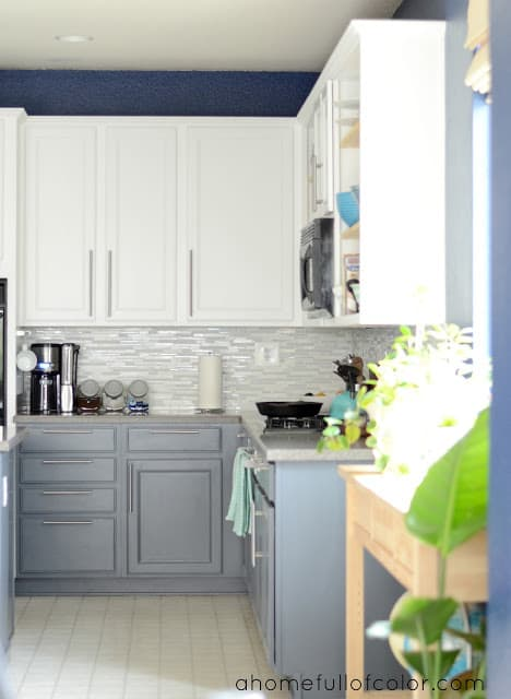 two toned kitchen cabinets