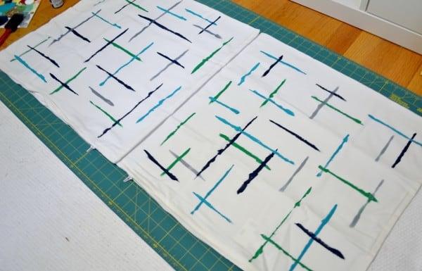 DSC 0046 600x385 DIY brushstrokes painted pillow {a tutorial}
