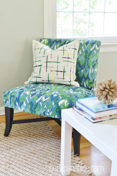 DSC 0073 copy 400x600 DIY brushstrokes painted pillow {a tutorial}