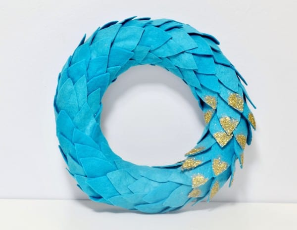 DSC 0047 2 600x465 felt & glitter wreath {a tutorial}