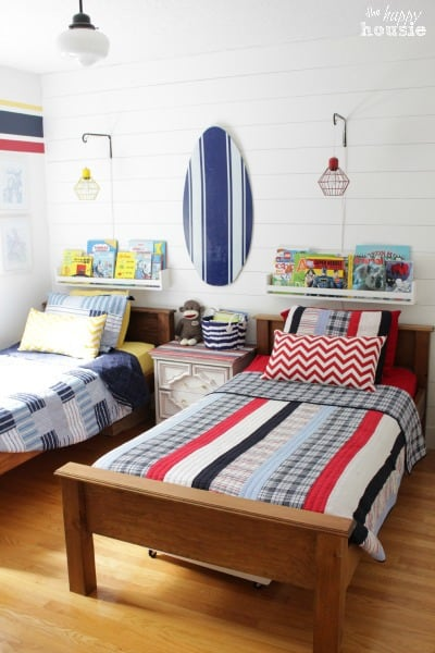 Summer-House-Tour-at-The-Happy-Housie-Boys-Bedroom-1