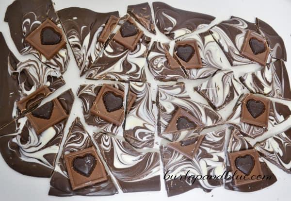 chocolate bark recipe 1 600x414 ghirardelli valentines bark + free printable