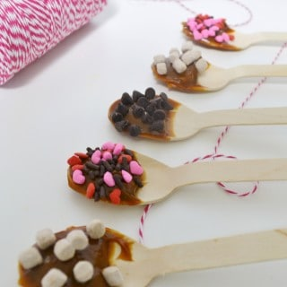 easy valentine's day gift–hot chocolate spoons!