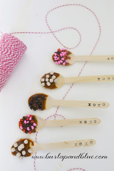 hot cocoa spoons 2 400x600 easy valentines day gift  hot cocoa spoons!
