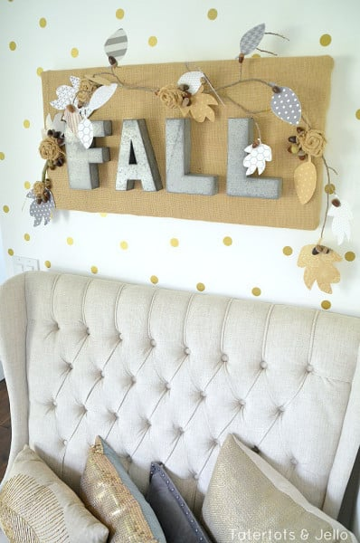 fall-burlap-wall-hanging-at-tatertots-and-jello