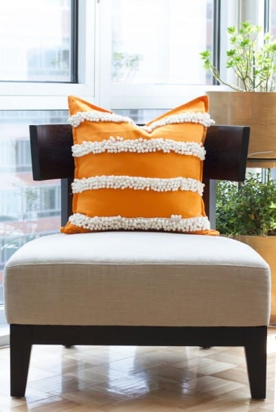 DIY-pom-pom-trim-pillow-3-thesarahjohnson-e1437339841368