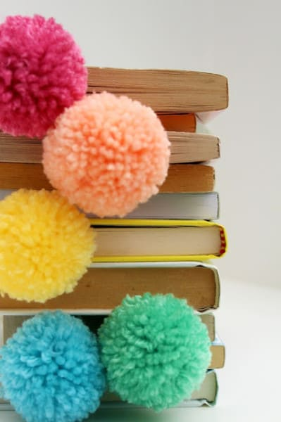 paperclip & pompom bookmarks ♥