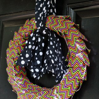 halloween duct tape wreath {a tutorial}