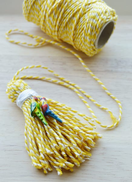 bakers-twine-tassel-tutorial-Crafting-Fingers