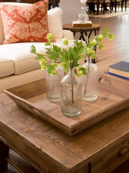 fixer upper photos 1-Room_detail_AFTER_coffee-table_444926-1018671_jpg_rend_hgtvcom_1280_1707