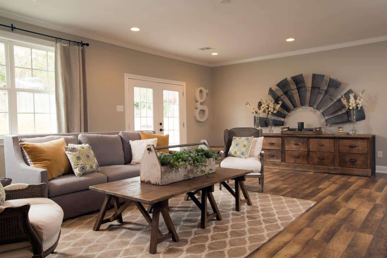 Fixer upper kitchens living and dining rooms 21 favorites - Paint colors for living room and kitchen ...