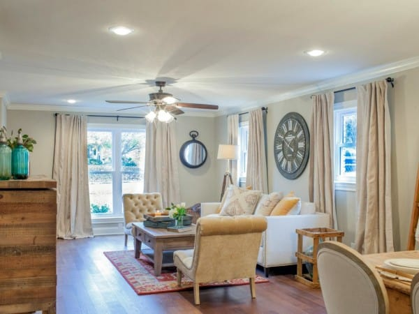 BP_HFXUP208_Haire_living-room_AFTER_002_e_jpg_rend_hgtvcom_1280_960