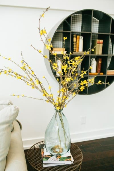 fixer upper photos -room_detail_end-table-and-shelving_169435_541896-1097927_jpg_rend_hgtvcom_1280_1920