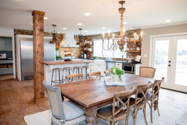 BP_HFXUP210H_King_dining-room-and-kitchen_AFTER_%20169628_541200-1097281_jpg_rend_hgtvcom_1280_853