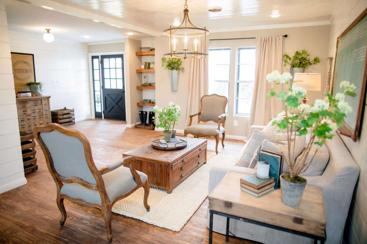 Fixer upper shiplap kitchen - Industrial Apartment Fixer Upper Favorite Fixer Upper Spaces