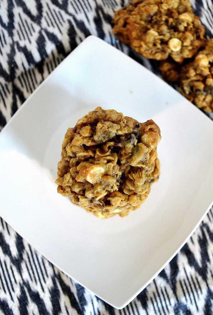 Oatmeal White Chocolate Cranberry Pistachio Cookies {a recipe}