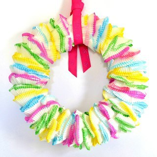 cupcake liners wreath {a tutorial}