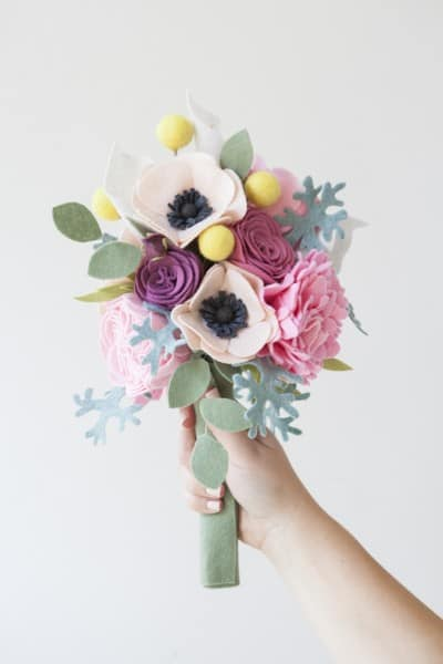 SomethingTurquoise-DIY-felt-wedding-bouquet_0015