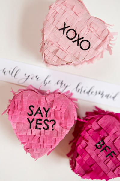 Will_You_Be_My_Bridesmaid_Pinata_001