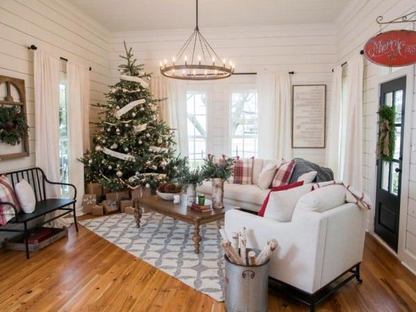Fixer upper christmas decor inspiration for Magnolia living room ideas
