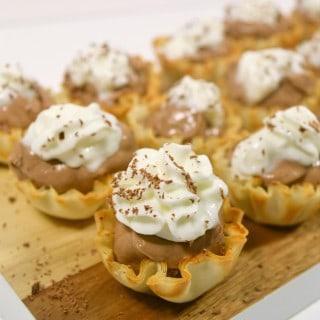 Hot Chocolate Cheesecake Bites {a recipe}