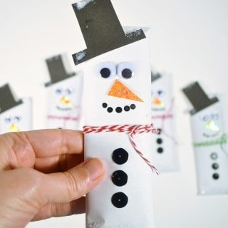 easy snowman craft-make snowman candy bars {a tutorial}