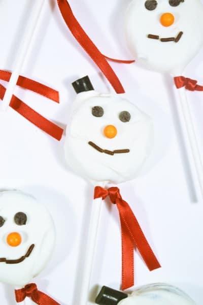 snowman oreo pops