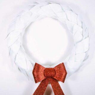 easy Christmas wreath {white felt + glitter bow wreath}