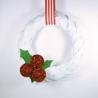 DIY Christmas Wreath {Felt and Holly Berries}