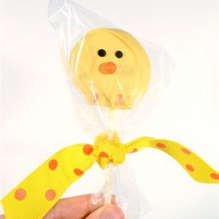 easy spring treat {make chick oreo pops}